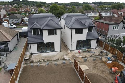 4 bedroom detached house for sale - Manor Road, Benfleet