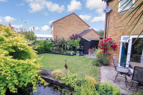 3 bedroom semi-detached house for sale - Springfield, Chelmsford
