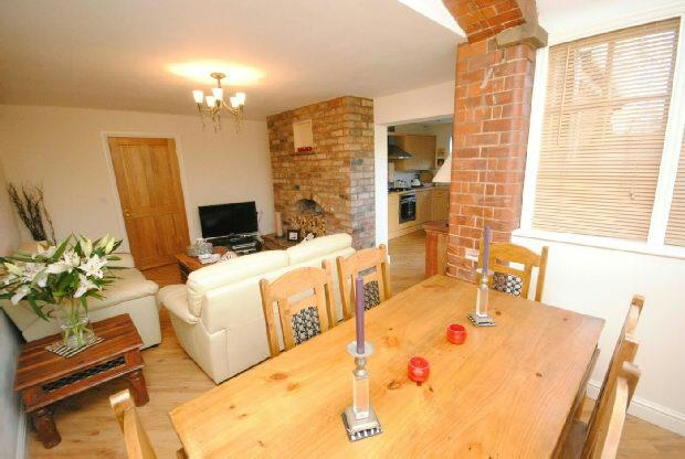 2 Bedrooms Flat for sale in Holton Road, Tetney, GRIMSBY