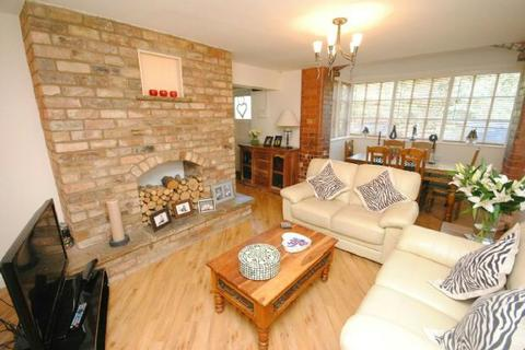 2 bedroom flat for sale - Holton Road, Tetney, GRIMSBY