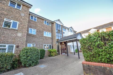 3 bedroom apartment for sale - Gleneagles House, St. Andrews, Bracknell, Berkshire, RG12