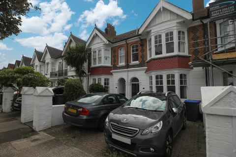 7 bedroom terraced house to rent - Navarino Road, Worthing