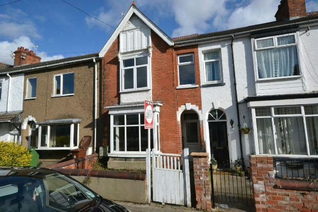 3 Bedrooms Terraced House for sale in Manor Avenue, GRIMSBY