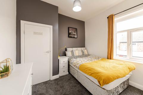 5 bedroom house share to rent - Liverpool Road, , Eccles, M30 0WZ