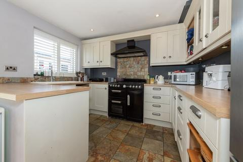 3 bedroom semi-detached house for sale - SEMI WITH GYM & LOG CABIN on Turnpike Drive
