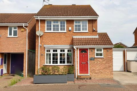 3 bedroom detached house for sale - Stirrup Close, Springfield, Chelmsford, CM1