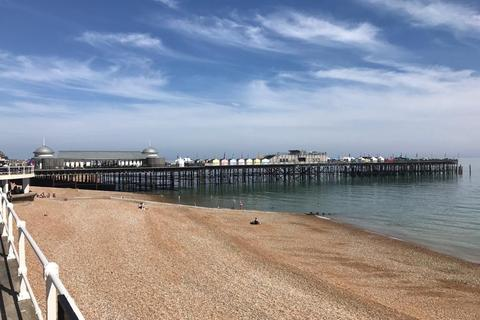 4 bedroom apartment for sale - Queens Road, Hastings, East Sussex