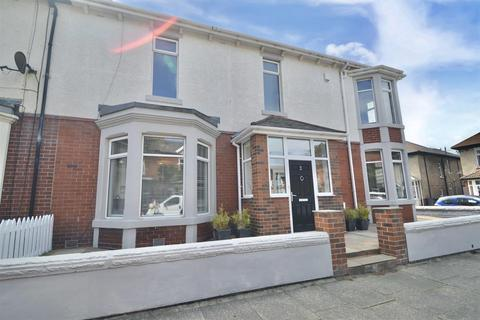 4 bedroom terraced house for sale - Clovelly Gardens, Whitley Bay
