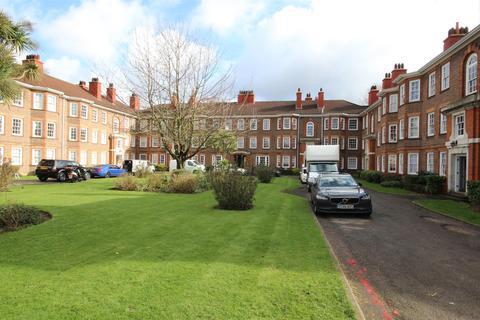 3 bedroom house - Perryn House, Bromyard Avenue, London