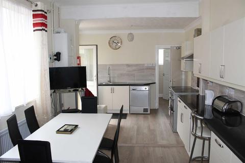 1 bedroom house share - Crombey Street, Swindon