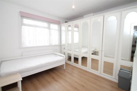 1 bedroom house share to rent - Pasteur Gardens, London N18