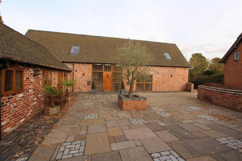 4 bedroom barn conversion to rent - Wootton Lane, Balsall Common, Coventry