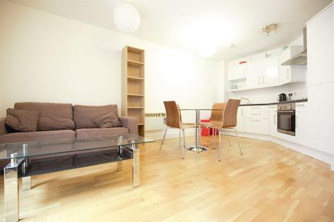 1 bedroom flat to rent - Bellevue Court a, High Road, London