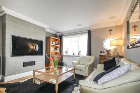 2 bedroom flat for sale - Clive Court, Slough, Berkshire. SL1 2SH