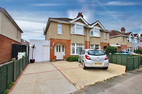 3 bedroom semi-detached house for sale - Kennedy Road, Southampton