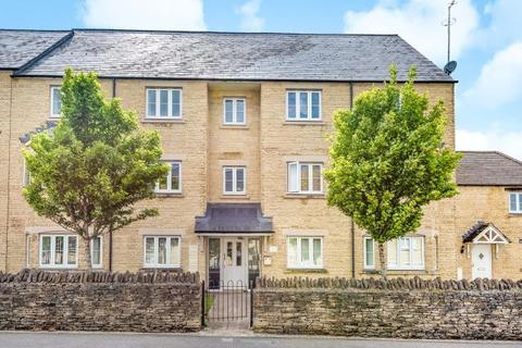 2 bedroom apartment to rent - Meadow Lane,  Witney,  OX28