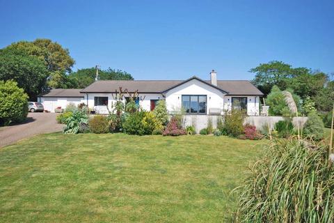 4 bedroom detached bungalow for sale - Trolver Croft, Feock, Truro, Cornwall