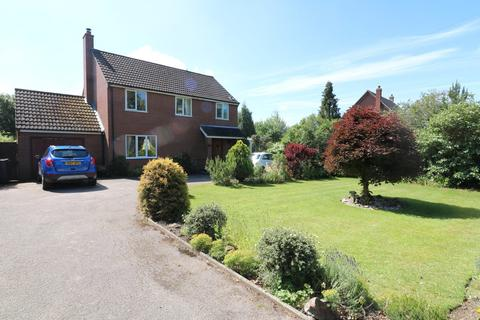 3 bedroom detached house for sale - Diss Road, Burston, Diss