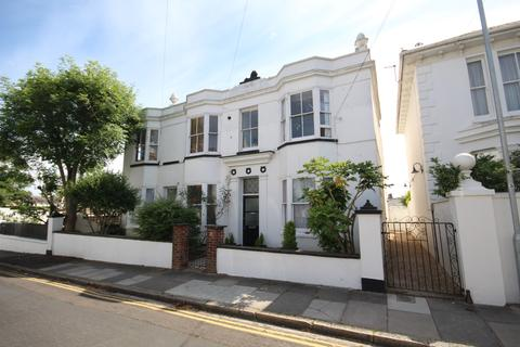 2 bedroom flat for sale - POWIS GROVE, BRIGHTON