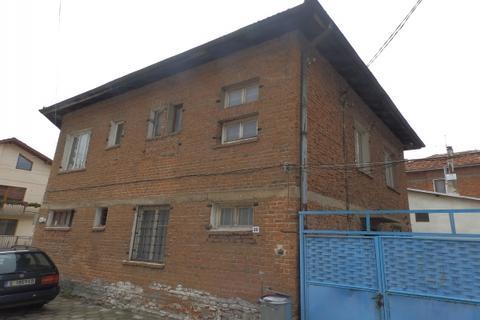Apartment - Razlog