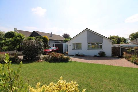 2 bedroom detached bungalow for sale - Quenchwell Road, Truro