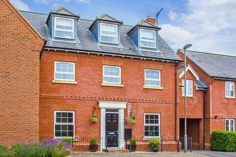 4 bedroom townhouse for sale - Whitehead Way, Buckingham