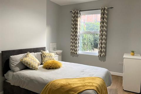 1 bedroom in a house share to rent - Norman Terrace , ,