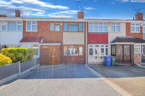 3 bedroom terraced house for sale - Silverdale East, Stanford-Le-Hope