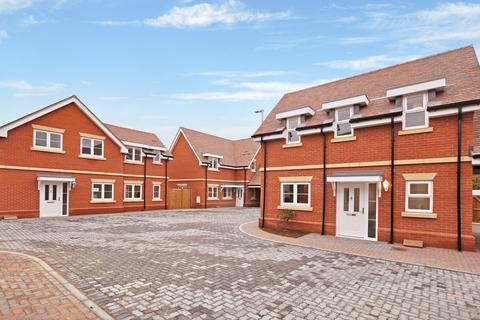 4 bedroom detached house for sale - West Donyland Court, Colchester, CO2