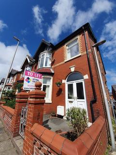3 bedroom semi-detached house to rent - Gainsborough Road, Blackpool, Lancashire