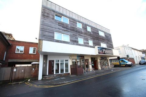 2 bedroom flat - Apartment 5, 12 Tufton Street, Ashford