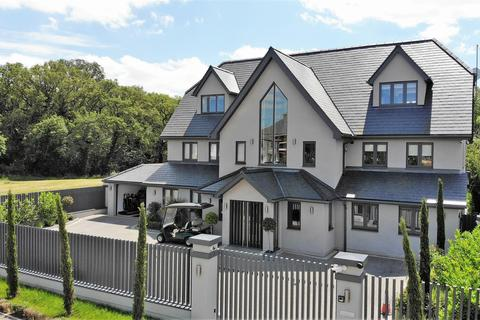 5 bedroom detached house for sale - Homeleigh, Woodman Lane, Chingford
