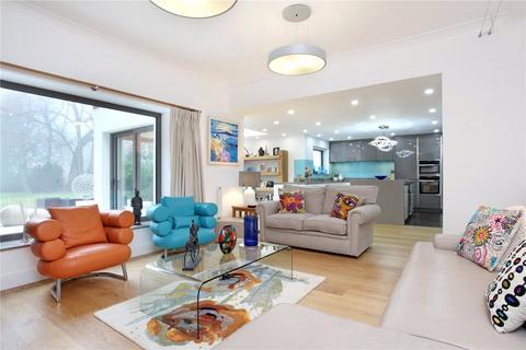 3 bedroom detached bungalow to rent - Sutherland Grange, Maidenhead Road, Windsor, Berkshire, SL4