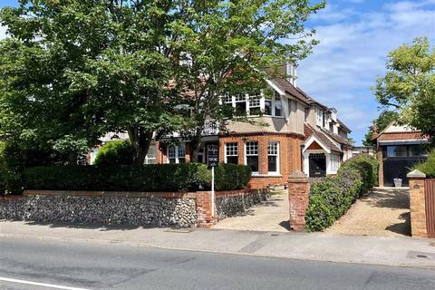 7 bedroom semi-detached house for sale - Sutton Road, Seaford, East Sussex