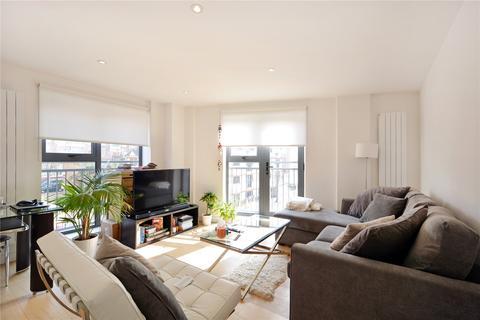 2 bedroom flat for sale - Watergarden Apartments, 123 Sceptre Road, London, E2