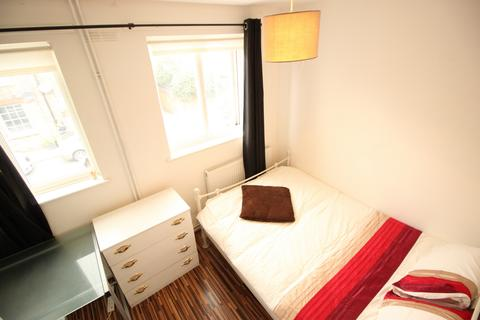 2 bedroom house share to rent - Wodseer Street, Room To Let in Brick Lane, E1