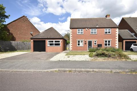 4 bedroom detached house for sale - Snowshill Drive, Bishops Cleeve, Cheltenham, Gloucestershire, GL52