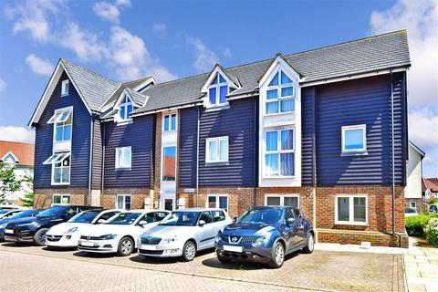 2 bedroom ground floor flat for sale - Paxton Avenue, Hawkinge, Folkestone, Kent