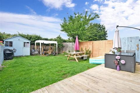 3 bedroom end of terrace house for sale - Radstock Way, Merstham, Surrey