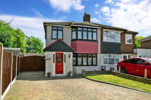 3 bedroom semi-detached house for sale - Foresters Crescent, Bexleyheath, Kent