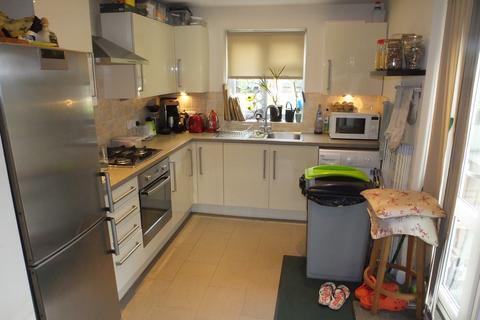2 bedroom semi-detached bungalow to rent - Queens Road, Lewes BN7