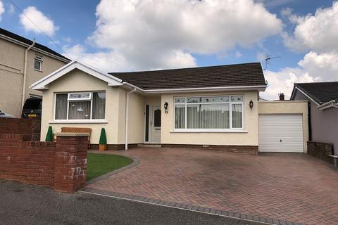 3 bedroom detached bungalow for sale - Graham Avenue, Pen-y-fai, Bridgend. CF31 4NR