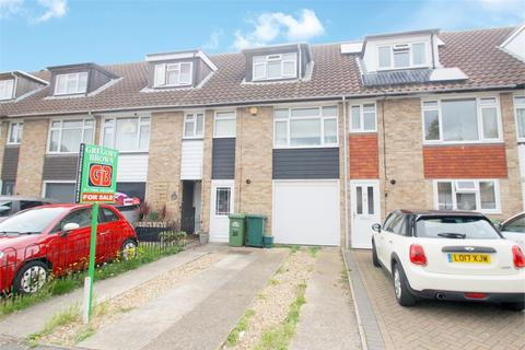 3 bedroom townhouse for sale - Bingham Drive, STAINES, Surrey