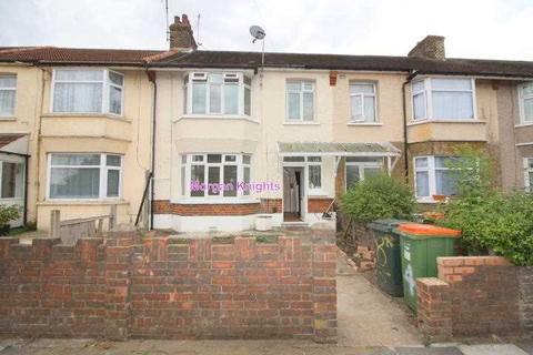 4 bedroom terraced house to rent - Watson Avenue, East Ham, E6