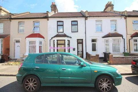 3 bedroom terraced house to rent - Hunter Road, Ilford, IG1