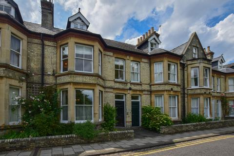 4 bedroom apartment to rent - Park Parade, Cambridge