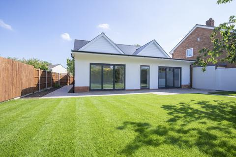 4 bedroom detached bungalow for sale - Old Reddings Road, The Reddings