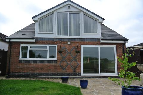 3 bedroom detached bungalow to rent - Sandy Lane, Weaverham