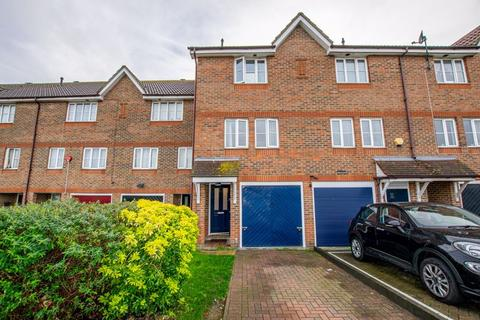 3 bedroom townhouse for sale - St Andrews Close, North Thamesmead London SE28