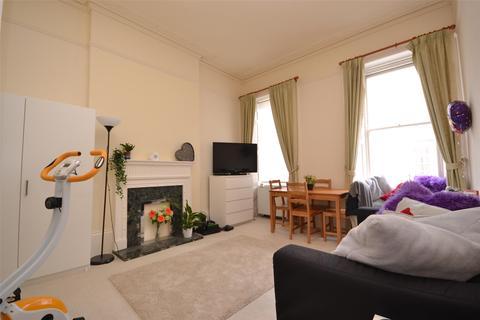 2 bedroom apartment to rent - Duke Street, Bath, BA2